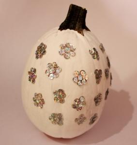 sequin pumpkin diy