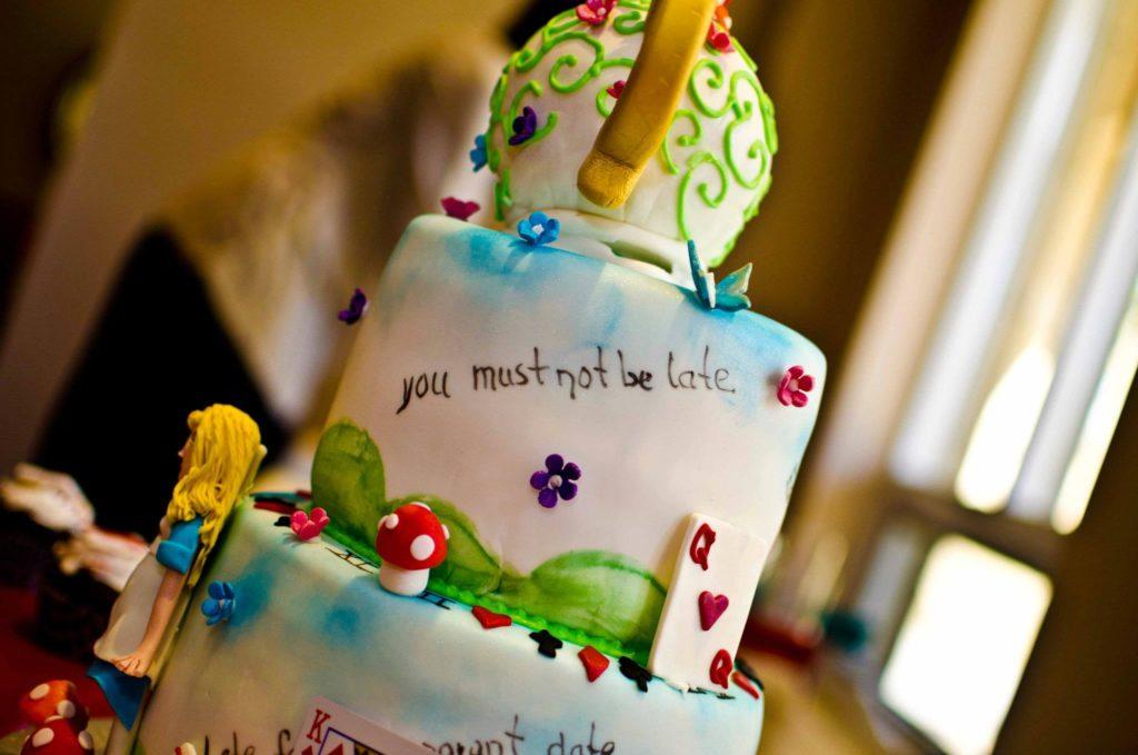 Alice in Wonderland Cake Pops Alice in Wonderland Cake
