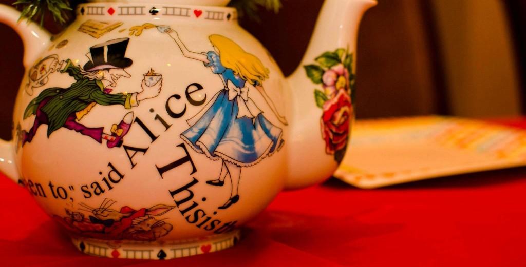 Pippins Tea Company - Tea pot